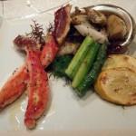 温菜タラバ蟹とアワビのグリル 有機野菜のターキーサラダ焼野菜