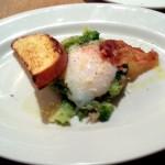 温玉とブロッコリーの温製サラダ